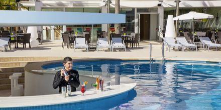Poolbar på Hotel JS Palma Stay i Can Pastilla på Mallorca.