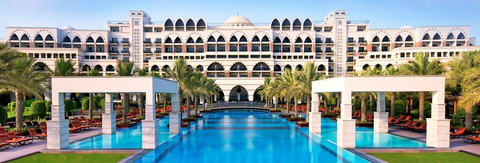 Pool på Hotel Jumeirah Zabeel Saray i Dubai, De Forenede Arabiske Emirater.