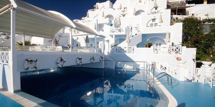 Poolen på Hotel Kafieris Blue på Santorini, Grækenland.