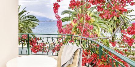 Balkon i dobbeltværelse på Hotel Kaonia i Saranda, Albanien.