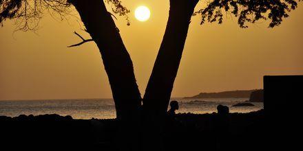 Solnedgang over øen Santiago, Kap Verde