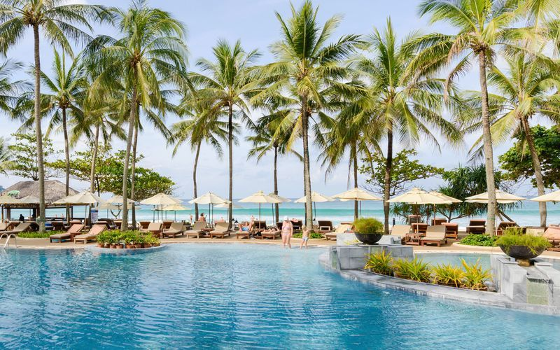 Apollo hotel Katathani Phuket Beach Resort & Spa ligger lige ved Kata Noi Beach