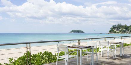 Apollo hotel Katathani Phuket Beach Resort & Spa ligger lige ved Kata Noi Beach