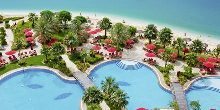 Poolområde på Hotel Khalidiya Palace Rayhaan i Abu Dhabi, De Forenede Arabiske Emirater.