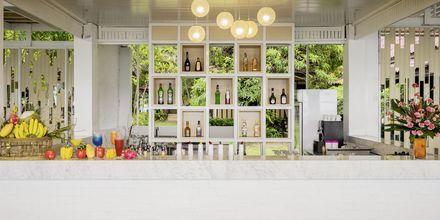 Restaurant Beach Club på Khaolak Emerald Beach Resort
