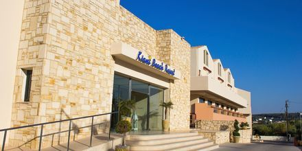 Indgang til Hotel Kiani Beach Resort på Kreta, Grækenland.