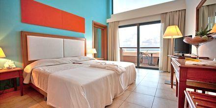 2-værelses lejlighed på Kiani Beach Resort, Kalives, Kreta.