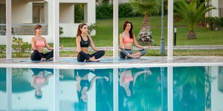 Yoga på Hotel Kipriotis Maris Suites i Psalidi på Kos, Grækenland.