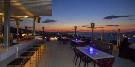 Red Sky Bar på Hotel Kipriotis Panorama & Suites i Psaladi på Kos, Grækenland