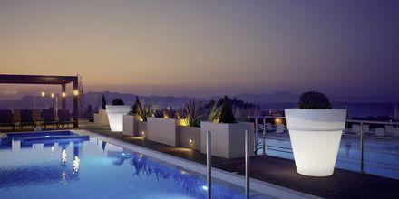 Poolområdet på Hotel Kipriotis Panorama & Suites i Psaladi på Kos, Grækenland
