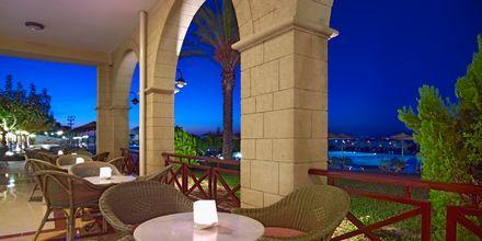 Bar på Hotel Kipriotis Panorama & Suites i Psaladi på Kos, Grækenland