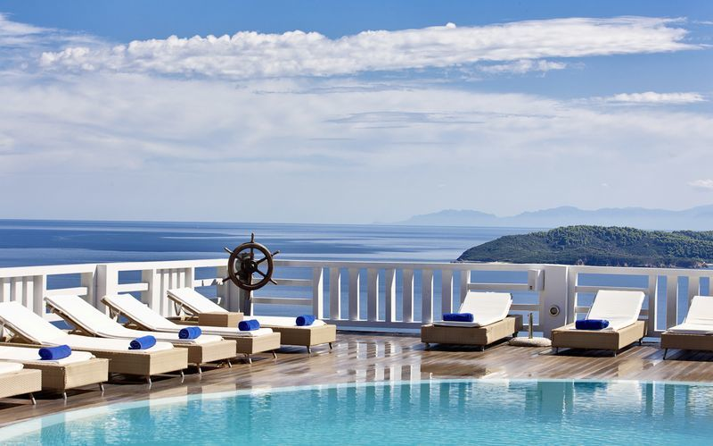 Pool på Hotel Kivo Art & Gourmet i Vasilias på Skiathos, Grækenland.