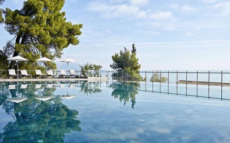 Infinitypool på Hotel Kontokali Bay i Gouvia & Kontokali på Korfu