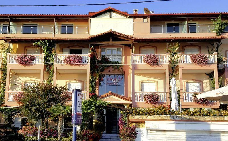 Hotel Korali House i Vrachos, Grækenland.