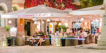 Restauranter i Korfu by, Grækenland.