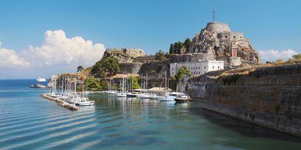Korfu by på Korfu, Grækenland.
