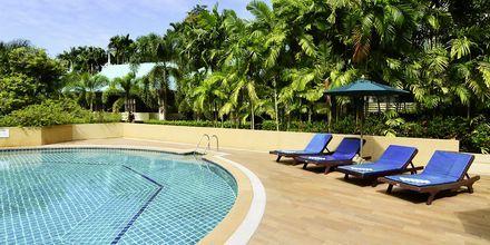 Poolområde på Krabi Tipa Resort i Ao Nang i Thailand.