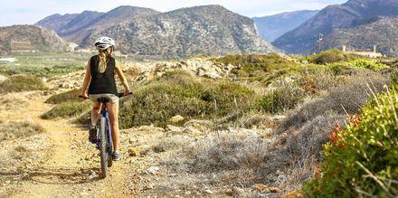 Kretas indland er smukt og kuperet, hvilket gør det til et populært udflugtsmål blandt cyklister.