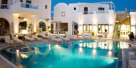 Poolen på Hotel La Mer på Santorini, Grækenland.