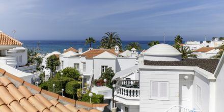 Hotellet ligger kun en kort gåtur fra stranden i Fañabé.