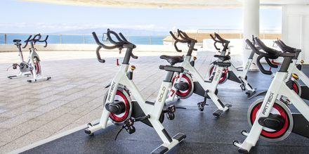 Indendørs cykling på Hotel Landmar Playa la Arena på Tenerife, De Kanariske Øer.