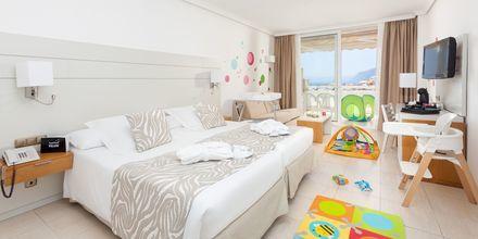 Familie-værelse på Hotel Landmar Playa la Arena på Tenerife, De Kanariske Øer.