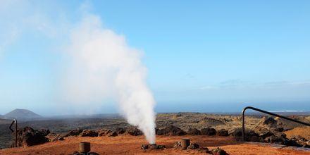 Minigeyser i nationalparken Timanfaya Lanzarote, De Kanariske Øer, Spanien.