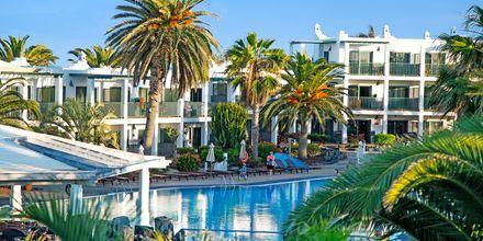 Poolområde på Hotel Las Marismas på Fuerteventura, De Kanariske Øer, Spanien.