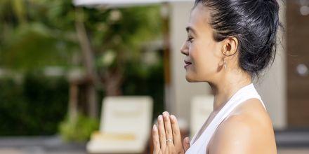 Yoga på Layana Resort & Spa på Koh Lanta, Thailand.
