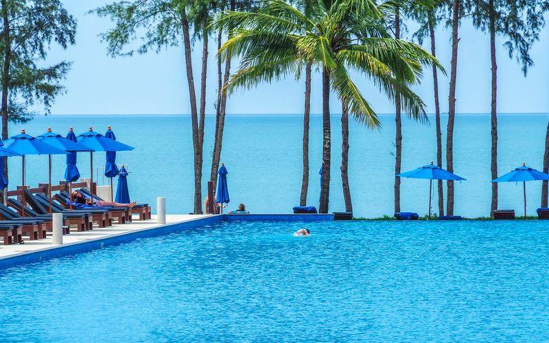 Pool på Hotel Le Menara by Khaolak Laguna i Khao Lak, Thailand.