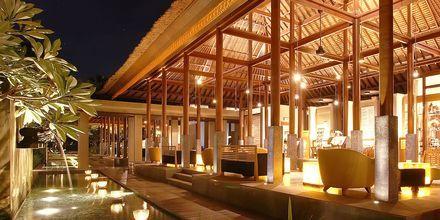 Lobby på hotel Legian Beach i Kuta på Bali.