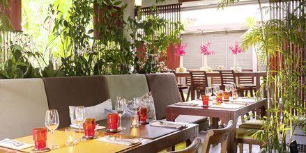 Restaurant på Let's Sea Hua Hin Al Fresco Resort i Thailand.