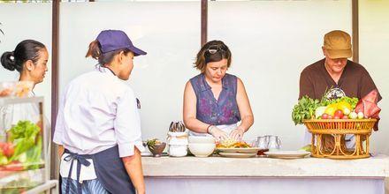 Thailandsk madlavningskursus på Let's Sea Hua Hin Al Fresco Resort i Thailand.
