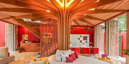Lobby på Let's Sea Hua Hin Al Fresco Resort i Thailand.