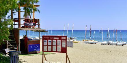 Stranden ved Hotel Levante Beach Resort på Rhodos, Grækenland.