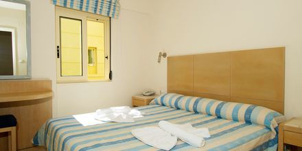 2-værelses lejlighed i nedsænket stueplan på Hotel Lissos på Kreta, Grækenland.