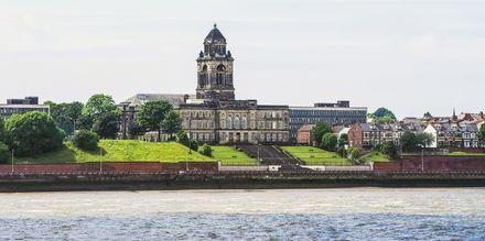 Liverpool ligger ved floden Mersey.