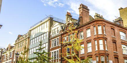 Oxford Street i London er en af de kendte shopping gader.