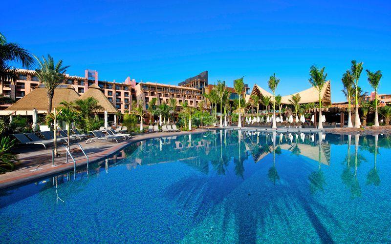 Poolområde på Lopesan Baobab Resort i Meloneras på Gran Canaria, De Kanariske Øer.