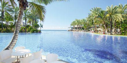 Poolbar på Lopesan Costa Meloneras Resort Spa & Casino, Gran Canaria.