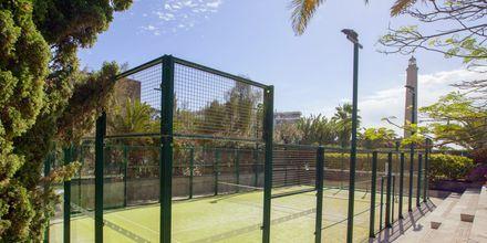 Tennisbane på Lopesan Costa Meloneras Resort Spa & Casino, Gran Canaria.