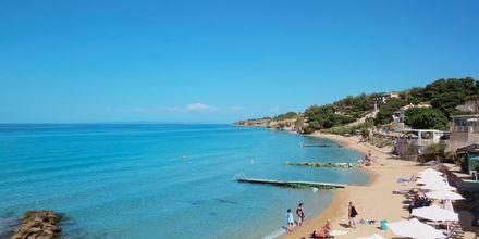 Stranden ved Hotel Loukas on the Waves i Tragaki, Zakynthos.