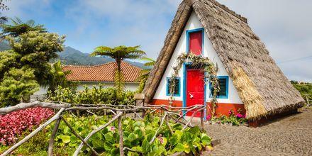 Et traditionelt hus i Santa Cruz på Madeira i Portugal.