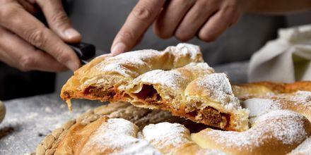 En af Mallorcas specialiteter - bagværket ensaimada.