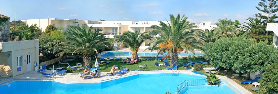 Poolområde på Hotel Marakis på Kreta, Grækenland.