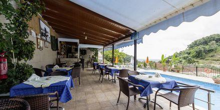 Poolbar på hotel Margarita på Parga, Grækenland.