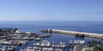 Udsigt mod havnen fra hotel Marina Bay View i Puerto Rico på Gran Canaria.