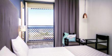 Dobbeltværelse med havudsigt på Hotel Marina Beach i Gouves, Kreta.