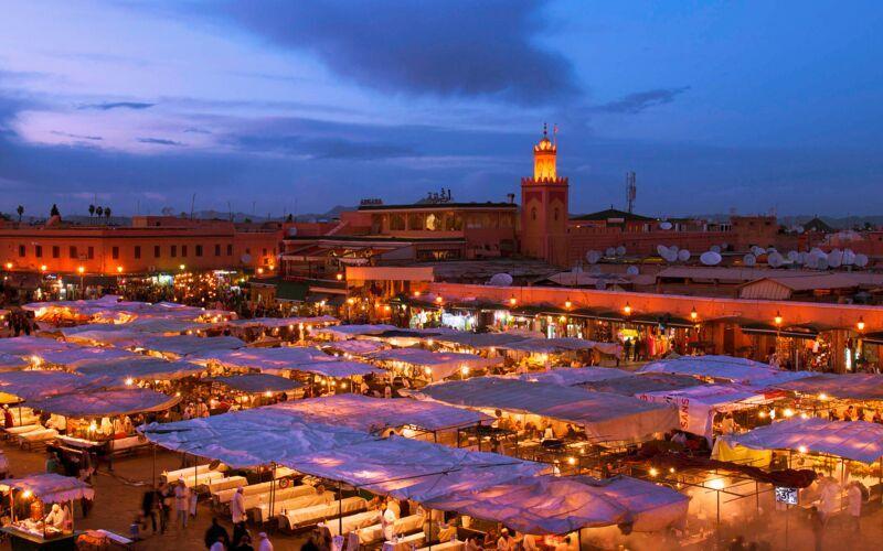 Markedstorvet Djemaa el Fna i Marrakech, Marokko.