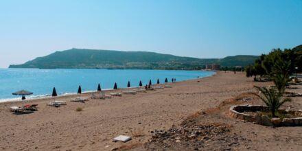 Stranden ved Hotel Mediterranean Beach på Karpathos.